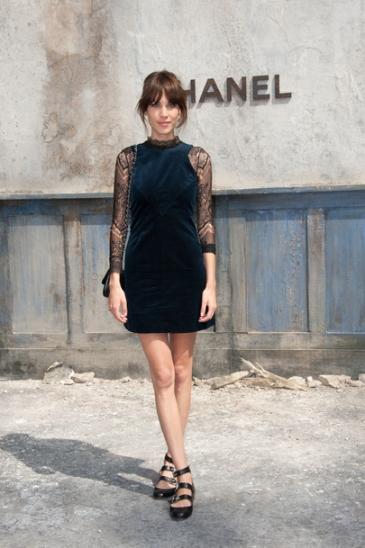 Alexa-Chung-au-defile-Chanel-Haute-Couture-a-Paris-le-2-juillet-2013_exact810x609_p