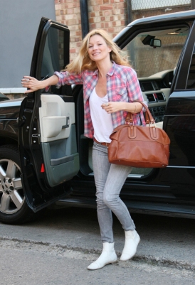 -Kate-Moss-Siwy-Jeans-jt1.1