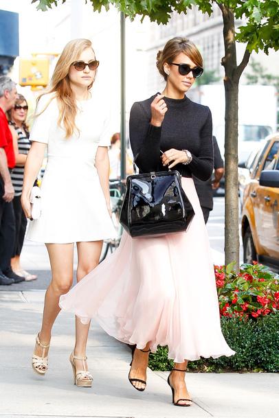 Jessica-Alba-en-beaute-dans-les-rues-de-New-York-pendant-la-Fashion-Week-en-septembre-2013_exact810x609_p